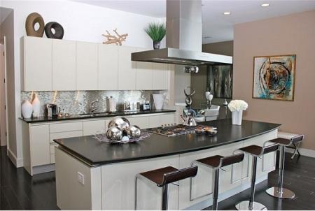 Kim loại - chất liệu tuyệt vời cho tủ bếp hiện đại