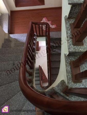 Thiết kế và thi công cầu thang nhà anh Dũng