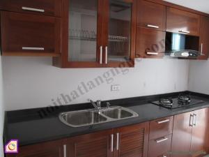Nội thất phòng bếp:Tủ bếp gỗ Xoan Đào dạng chữ i TBI_07